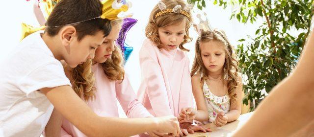 Gry edukacyjne dla 4 latka i 5 latka – propozycje do zabawy z całą rodziną